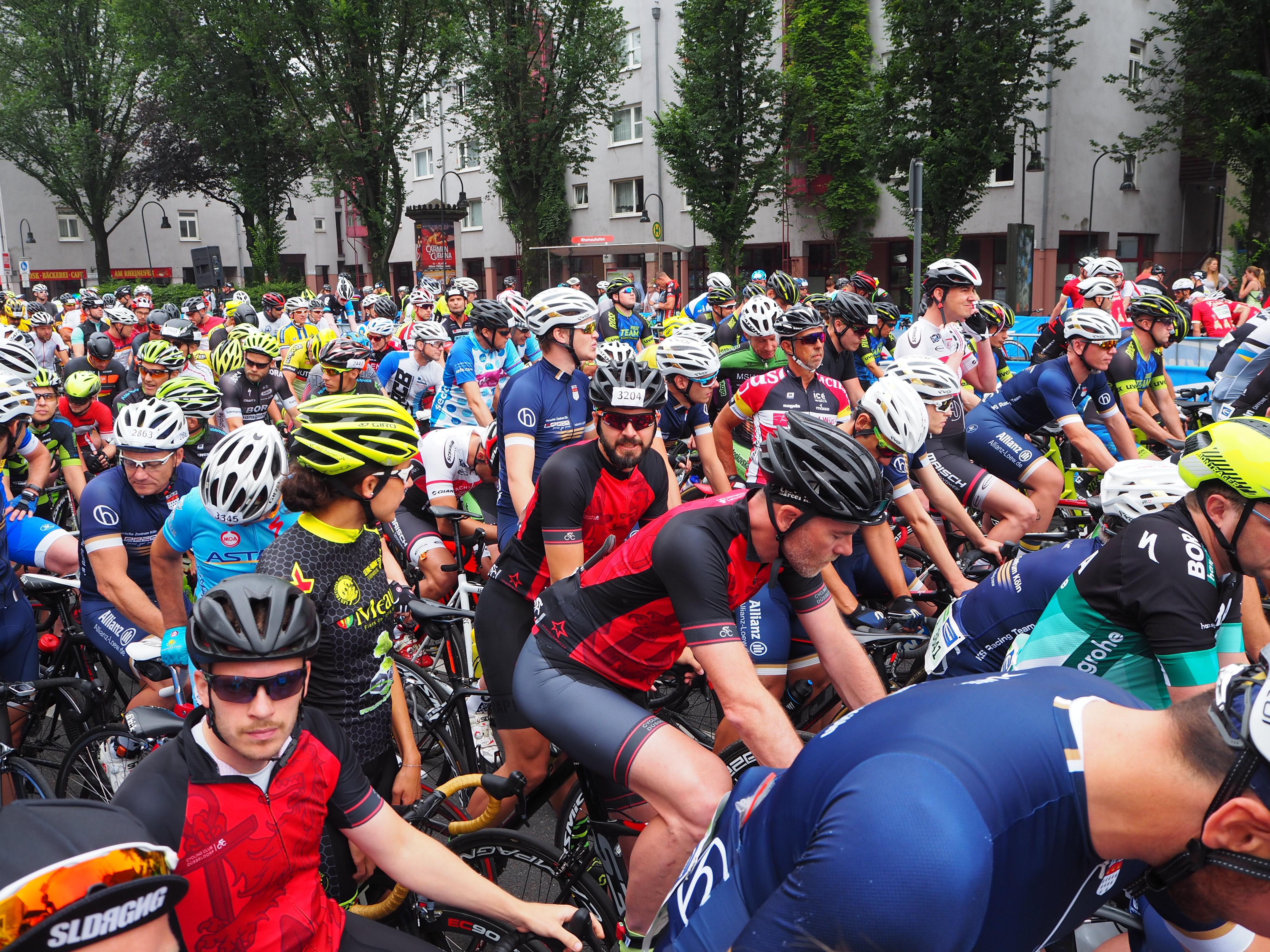 Start zum Jedermannrennen Rund um Köln