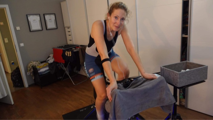 Tina Boine-Frankenheim | Cycling Club Düsseldorf und KISS RACING TEAM Mitglied goes Zwift Racing League